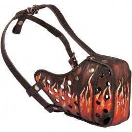Ledermaulkorb per Hand mit Flamme Muster bemalt für Schäferhund
