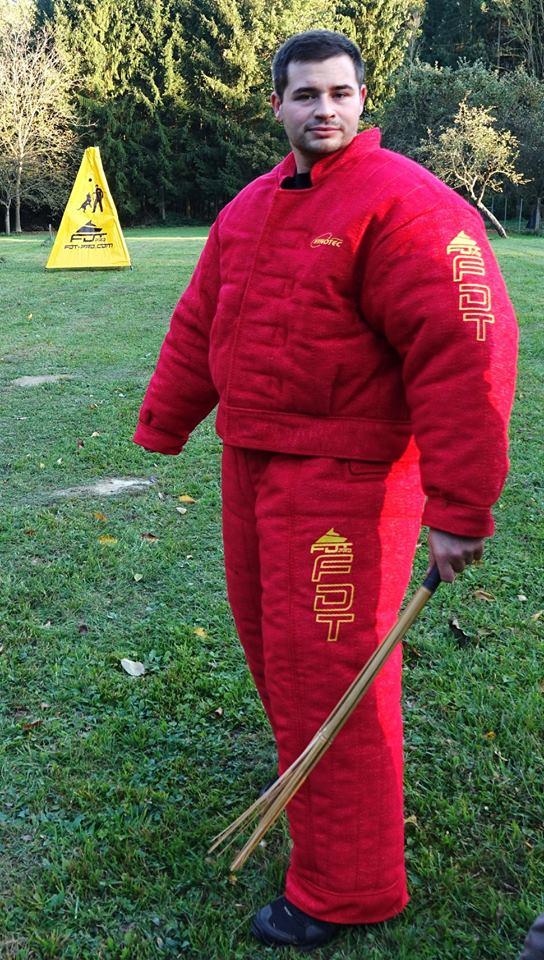 Schutzbekleidung für Sport und Dressur